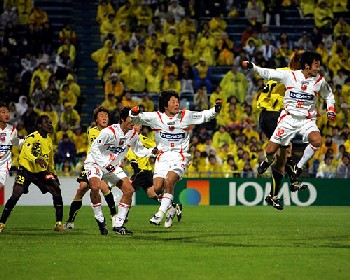 04 Apr 07 - Tomita, Morita, Kataoka and Yoshiyuki battle it out at a set piece