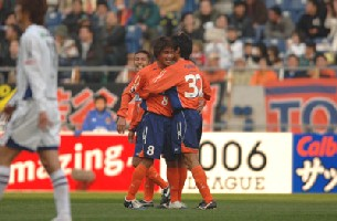 06 Mar 06 - Daigo celebrates his first Omiya goal
