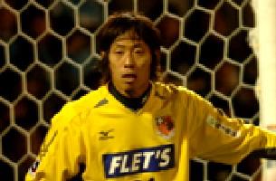 06 Apr 06 - Stickminder Koji Ezumi on his Omiya debut