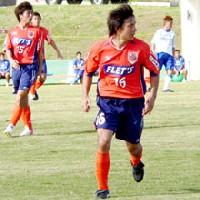 07 Feb 06 - Tatsunori Hisanaga, on the losing side v Gamba Osaka