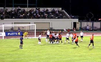 15 Aug 07 - Daigo Kobayashi fires in a free kick