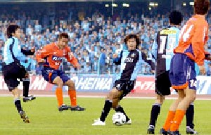 16 Apr 06 - Omiya's one moment of glory, as Chikara nets