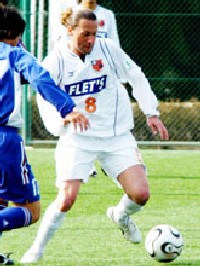 18 Apr 06 - The first view of Gral in an Omiya shirt