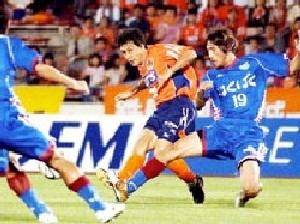 22 Jul 06 - Another goal attempt from Tatsunori Hisanaga