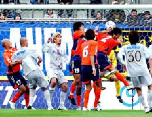 23 Apr 06 - Okuno notches up own goal number 311 of his career, maybe