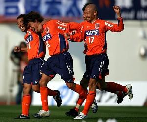 27 Mar 06 - Kobayashi celebration. Wait, that's Kobayashi Large