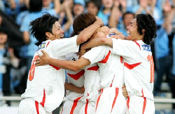 29 May 07 - ... and Wakabayashi equalises