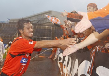 29 Oct 07 - Best of friends again, Daigo and fans