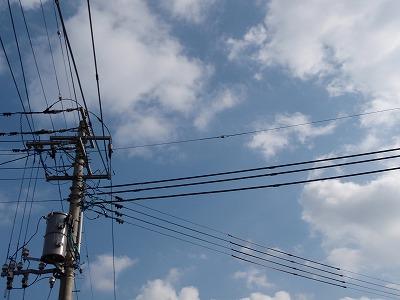 電柱のある青空