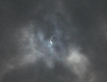 日食(多分最大値)