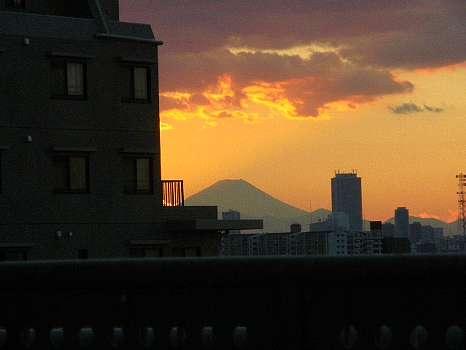 I北千住学びピアからの富士