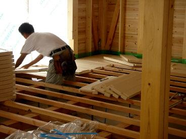床用断熱材施工
