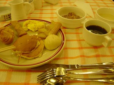 05_breakfast2.jpg