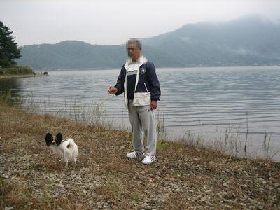 朝の河口湖