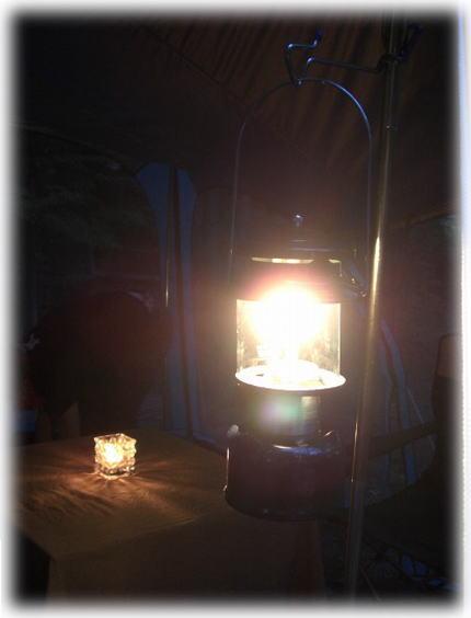 ランタンの灯り。