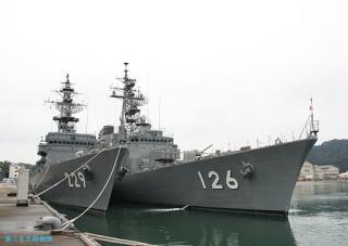 舞鶴地方隊の護衛艦二隻 02.02