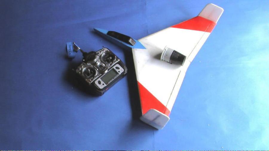超シンプル無尾翼機