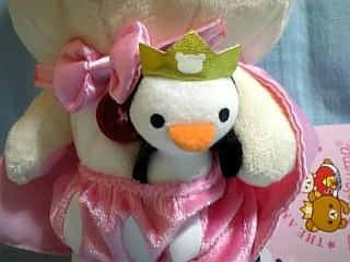 パンツにペンギン挟んでます(笑)