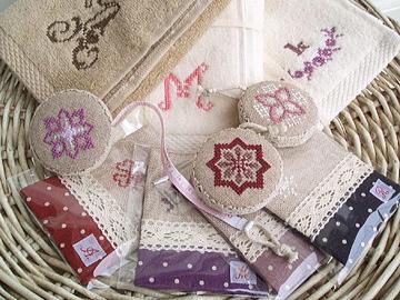刺繍アイテム