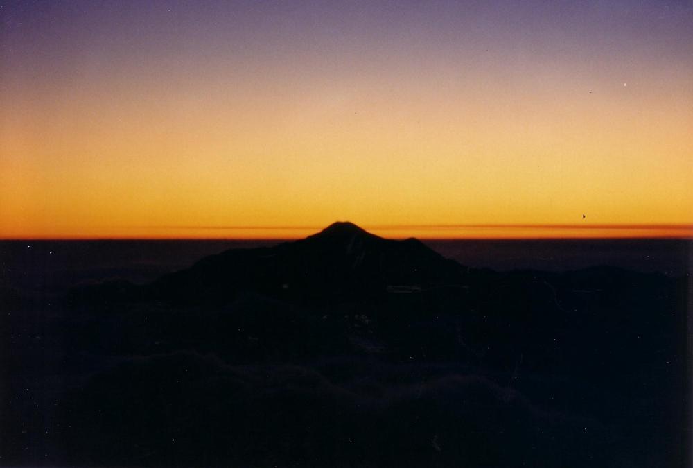 16:穂高山荘からの日没。