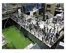 OPCPA小型レーザー装置