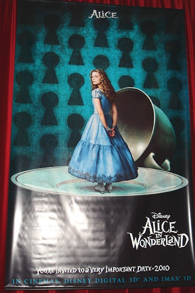 alicevanessa119alice.jpg