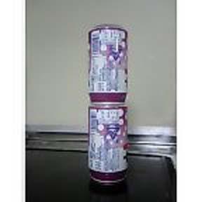 アルミ缶の上のアルミ缶