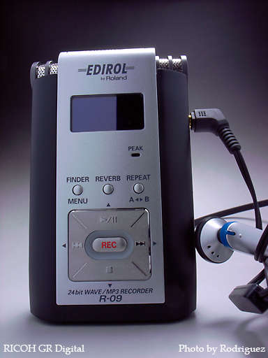 EDIROL R-09 ( with Head Phone )