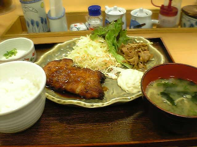 チキン南蛮と生姜焼き定食