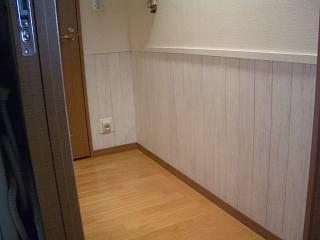 廊下の腰壁玄関