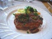 グローブデュモンドの牛ロースステーキ