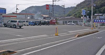 某コンビニの駐車場