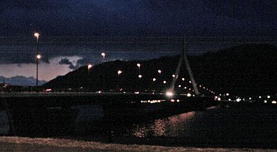 夜の芦田大橋
