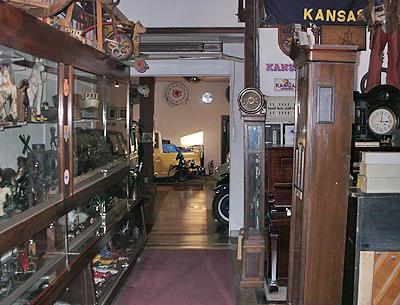 福山自動車時計博物館の館内