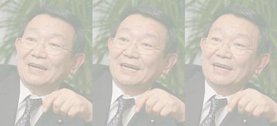 1人3役の与謝野馨氏