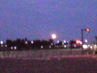 満月、マリノスタウン辺りから