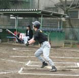 先頭の村上が二塁打を放つが、すぐ牽制死