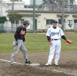 田中が3点適時三塁打を放つ