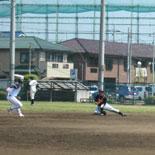 初回裏、田中が二塁牽制で刺す