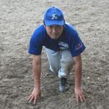 通算100盗塁を達成した山崎