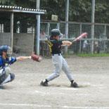 3回裏、信夫がチーム初安打を放つ