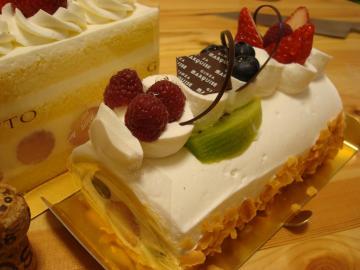 マルキーロールケーキ