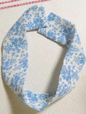 ③水色縫う前フィードサックのシュシュ