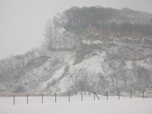南山の崖、雪景色1