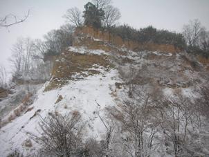南山の崖、雪景色2
