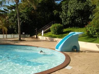 ビーチサイドのプール