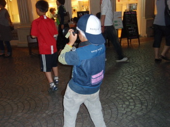 若カメラマン
