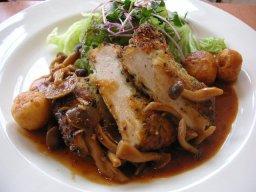 セレーネランチ鶏肉のカツレツ