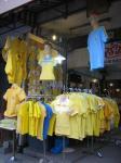 黄色シャツ