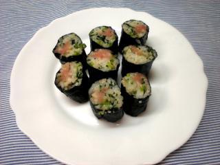 小松菜ご飯のたらこ細巻き